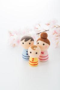家族と桜 お父さん お母さん 赤ちゃん
